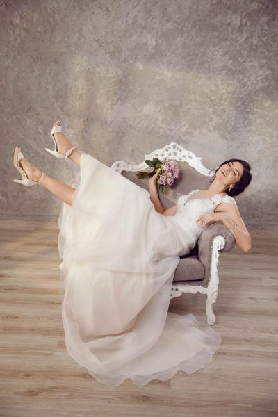 Jessie K – Tres Chic Bridal Wear – studio